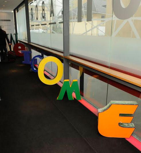freundts-Buchstaben begrüßen die Teilnehmer eines Kongresses